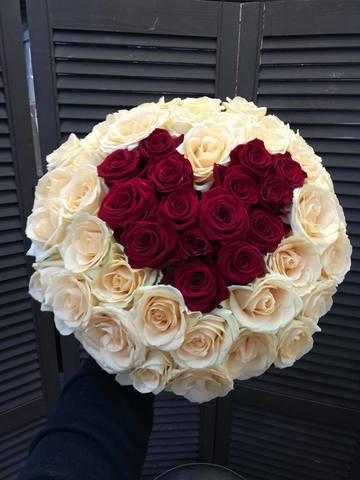 Букет из 51 розы 50 см в виде сердца #2942