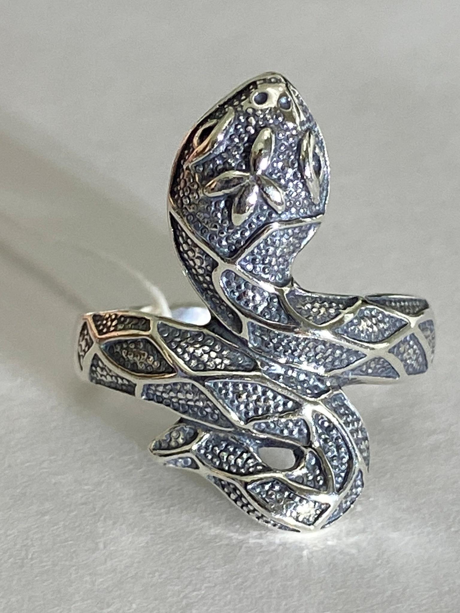 Питон (кольцо из серебра)