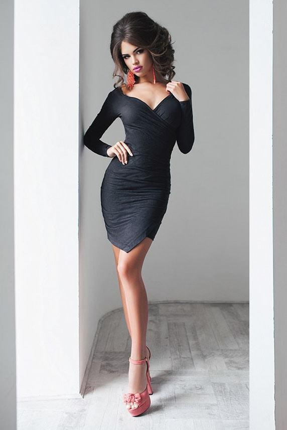 Короткое платье замшевое, графитового цвета