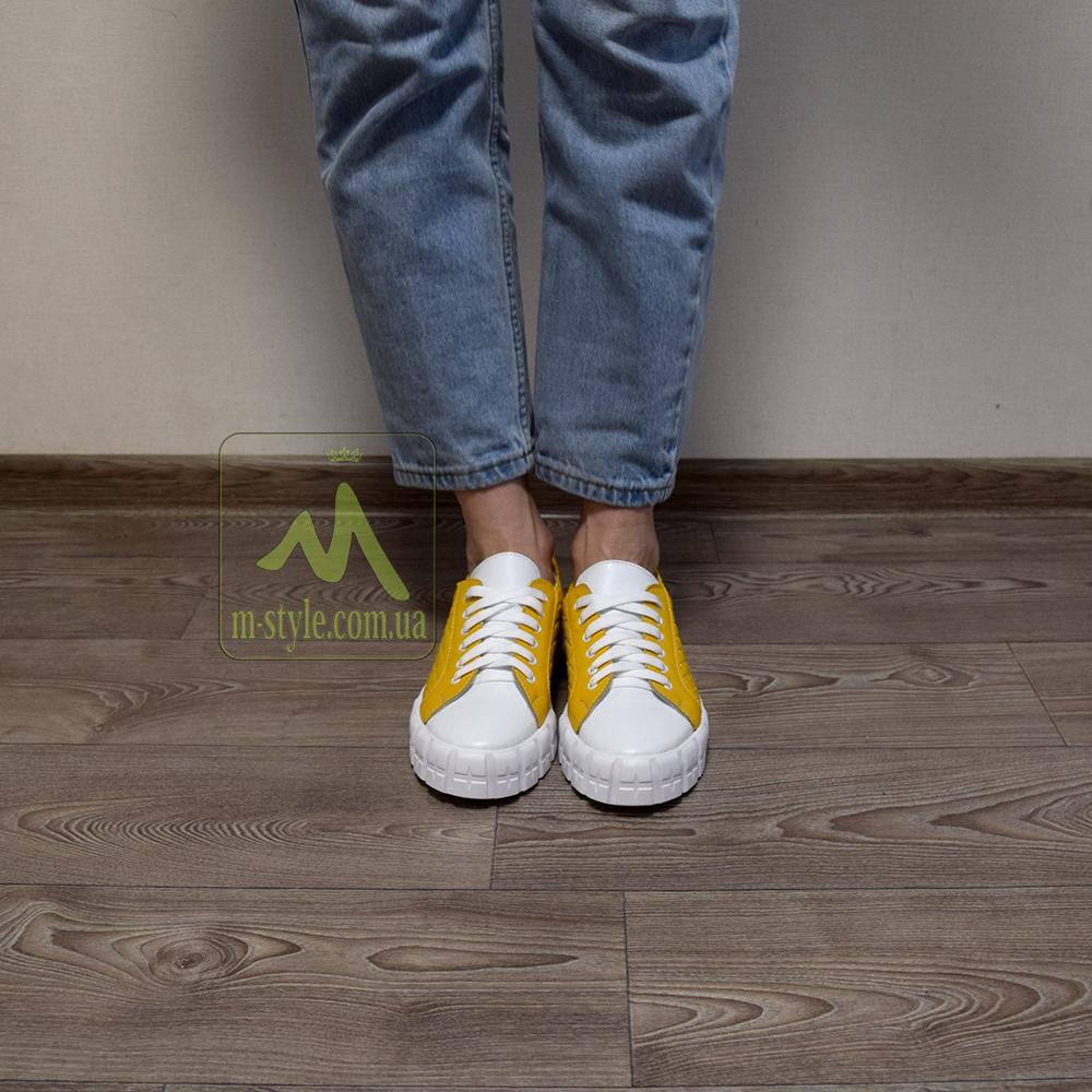 Туфлі Mankodi.