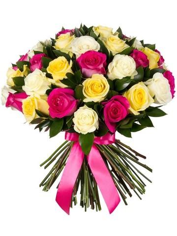 """Букет """"Монблан"""" из разноцветных роз Эквадор (31шт, 50см) + зелень"""