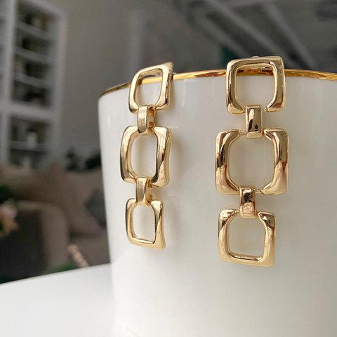 Серьги-цепи из разновеликих квадратных звеньев (золотистый) ш925
