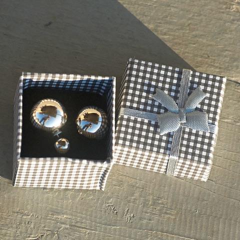 Сережки в подарочной коробочке