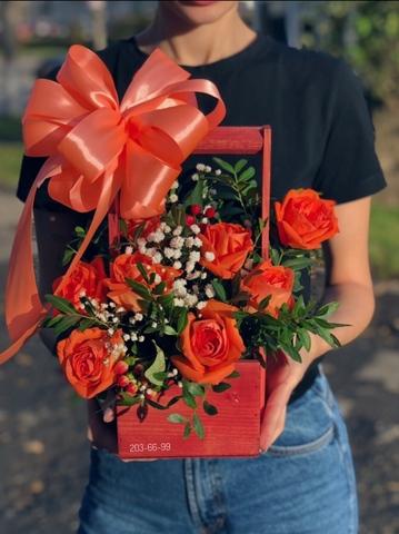 Цветы в деревянном ящике #1976