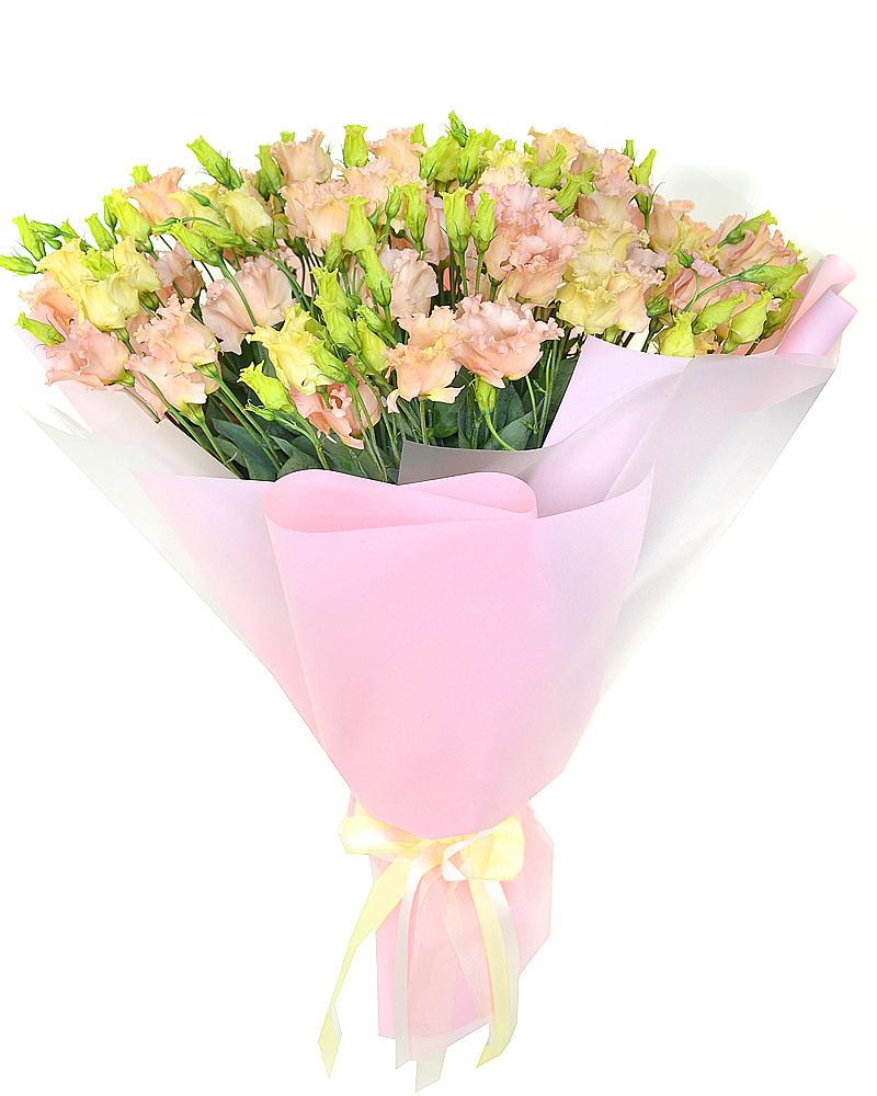 Букет из 35 персиково-розовых эустом