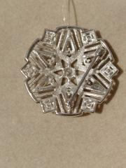 Брошь-звезда из серебра с фианитами