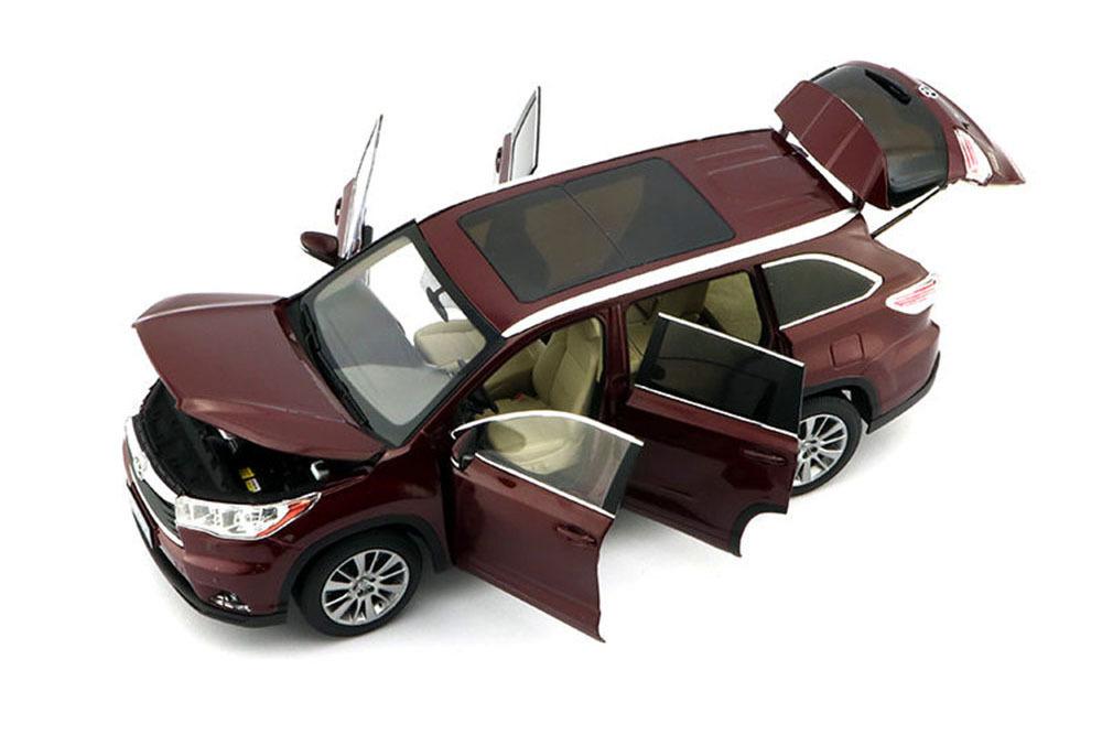 Коллекционная модель Toyota Highlander 2015 Red