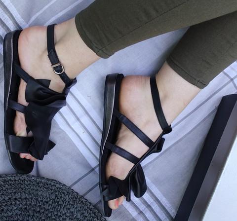 Шлепанцы женские - черные сандали Richesse