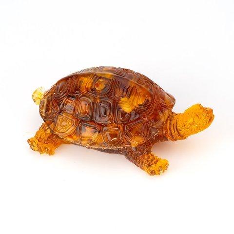 Черепаха из янтаря большая