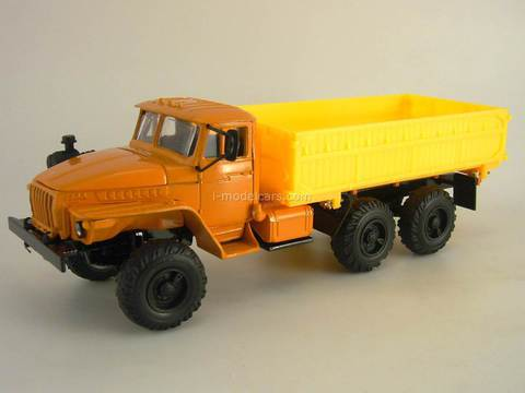 Ural-5557 agricultural truck orange-yellow Elecon 1:43