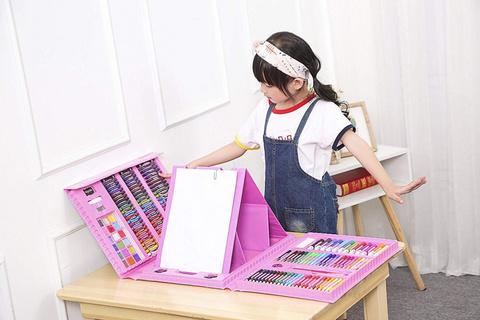 Набор юного художника с мольбертом, 208 предметов (розовый)