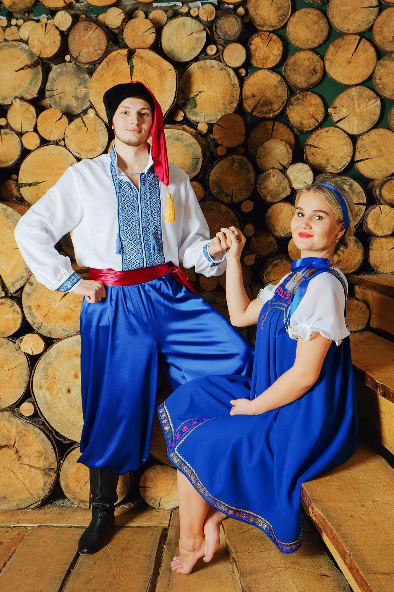 народный украинский костюм в паре