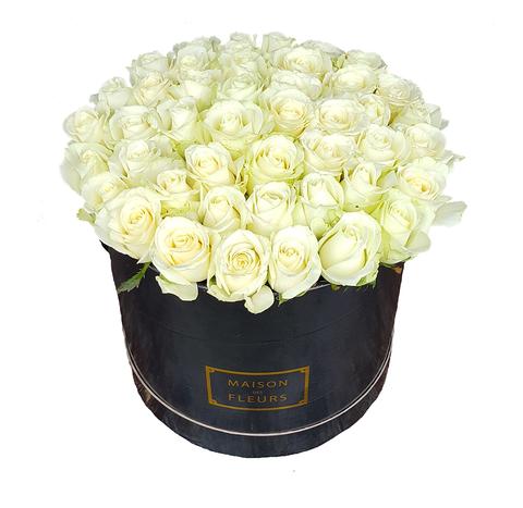 Белые розы в коробке Maison Des Fleurs 2