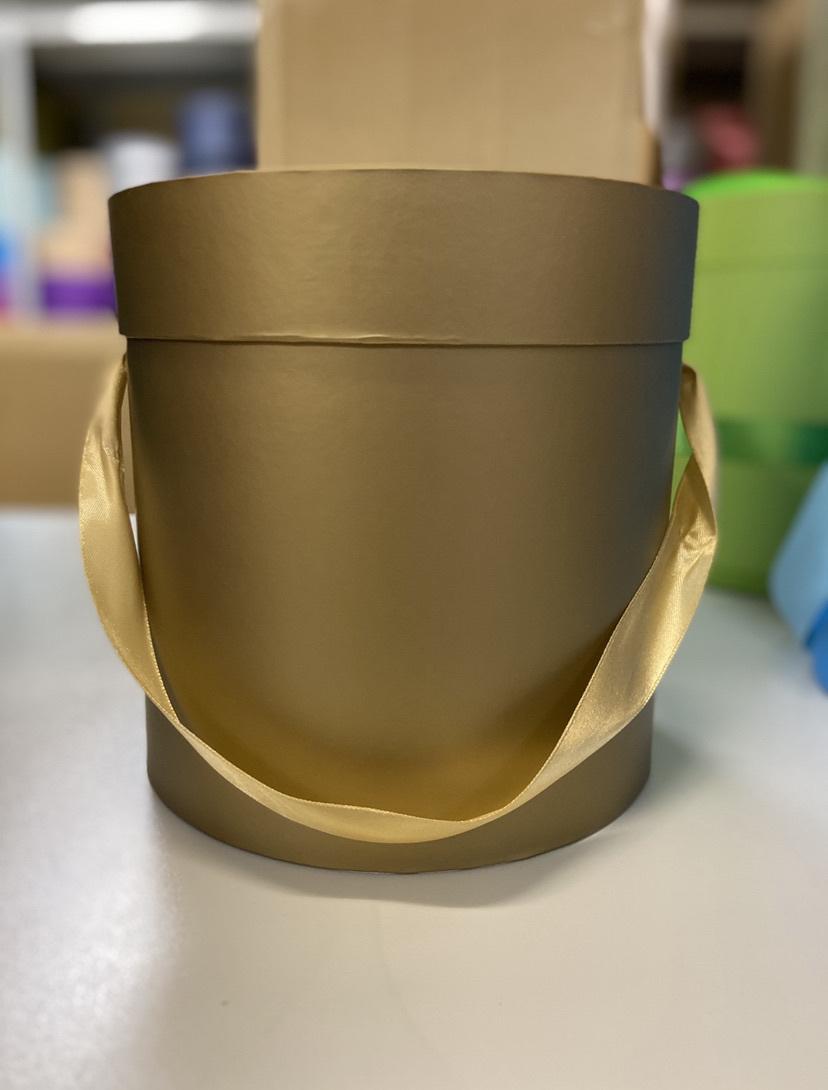 Шляпная коробка эконом вариант 22,5 см Цвет: Золотой  . Розница 350 рублей .