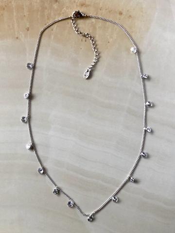 Колье Августина с цирконами, серебряный цвет