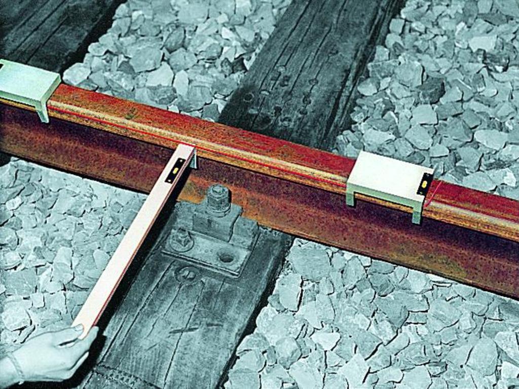 Прибор для замера стрелы прогиба Robel 82.05
