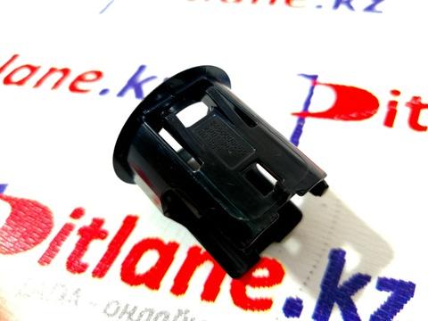 Держатель датчика парковки (партроника) Лада Веста / XRAY Cross (8450008055)