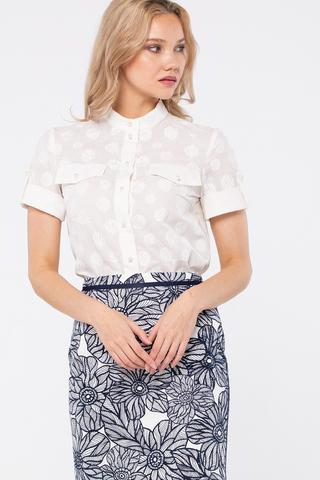 Фото белая хлопковая блуза с воротником-стойкой и коротким рукавом - Блуза Г715а-367 (1)