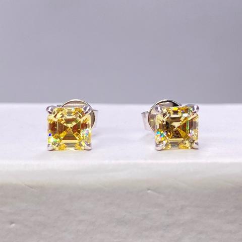 56470- Серьги-гвоздики из серебра с желтыми цирконами огранки ашер (5 мм маленькие)