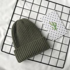 Вязаная шерстяная шапка с отворотом зеленая