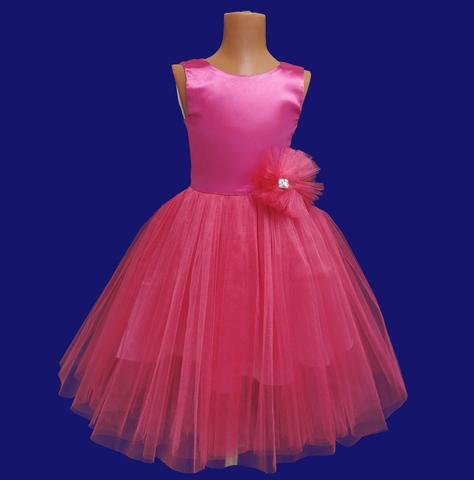 Пышное малиновое платье