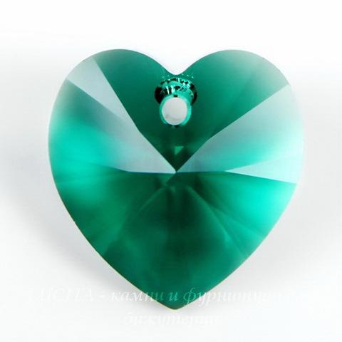 6228 Подвеска Сваровски Сердечко Emerald (14,4х14 мм) ()