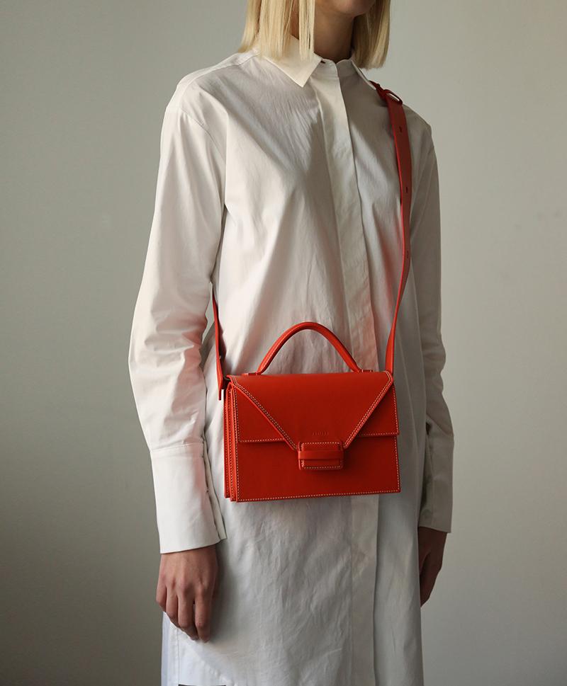 сумка-квадратная-красная-2
