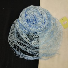 Шарф ажурный с кистями голубой