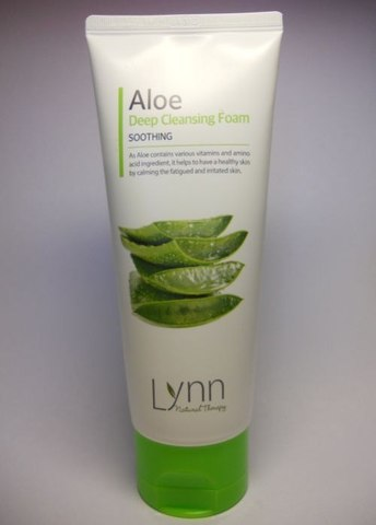 WELCOS Natural Therapy Пенка очищающая с алое Natural Therapy Lynn  Aloe Deep Cleansing Foam