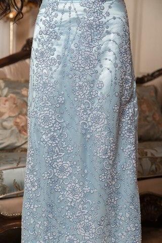 Длинное вечернее платье расшитое бисером и блестками, голубое 1