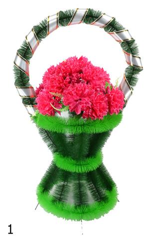 Корзина украшенная цветами хризантемы