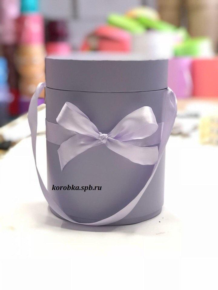 Шляпная коробка D18 см Цвет: светло серый  .  Розница 450  рублей .