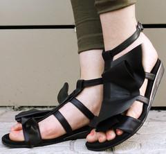 Черные босоножки сандалии женские. Кожаные босоножки без каблука шлепки женские Richesse - Black.