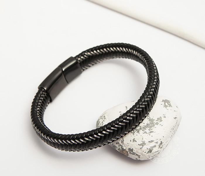 BM422 Мужской браслет из кожи со стальной проволокой (20 см)