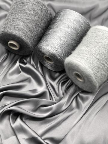 Ткань  атласная,  стальной