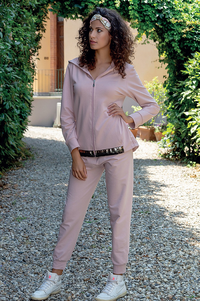 Розовый домашний костюм с пайетками B&B