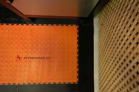 Напольная плитка ПВХ 500 х 500 мм в гараж. Оранжевая, толщина 7 мм.
