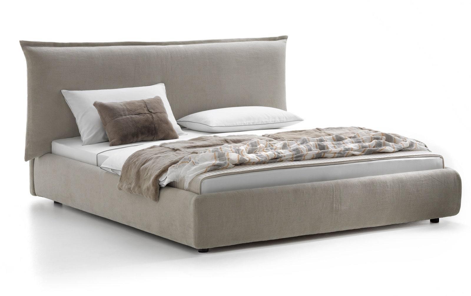 Кровать с мягким изголовьем  ,изголовье из подушки