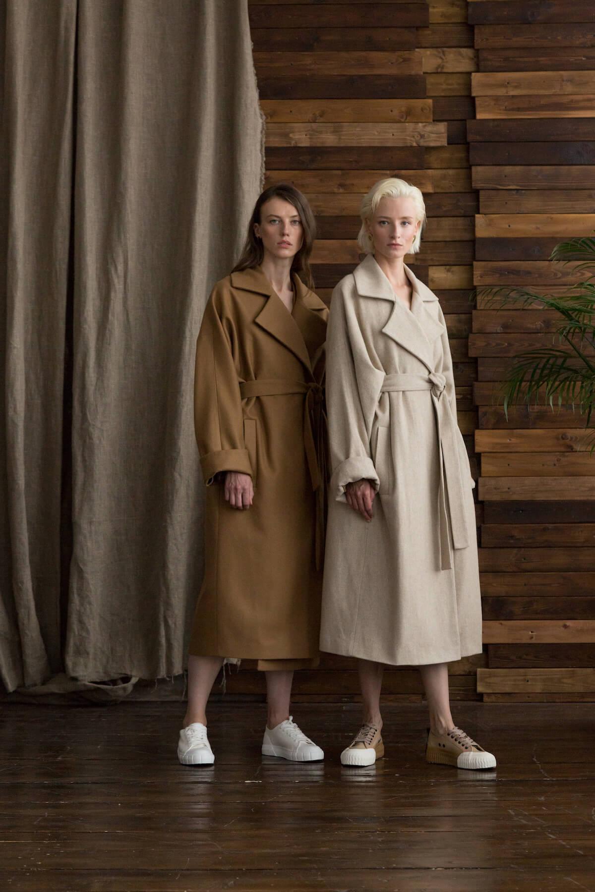 Пальто с комбинированным рукавом, кемел