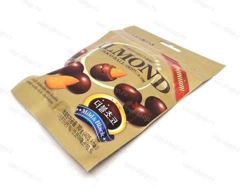 Миндаль в молочном шоколаде Almond Choco Ball Lotte в пачке, 70 гр.