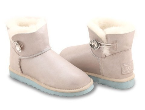 UGG Bailey Button Mini I DO