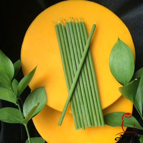 Зеленые тонкие свечи