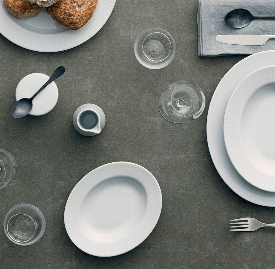 887226 Тарелка суповая овальная Legio Nova 21 см Eva Solo