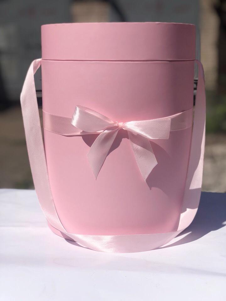 Шляпная коробка 22,5 см Цвет:  нежно розовый . Розница 450 рублей .