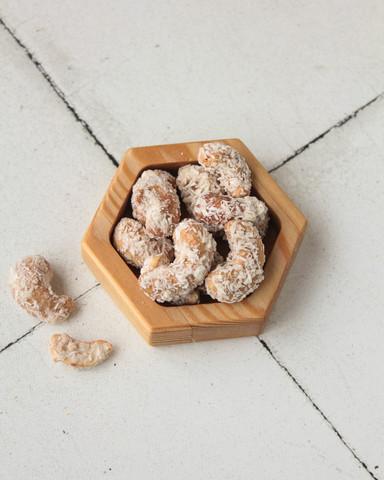 Орех Кешью с кокосовой стружкой, 100гр