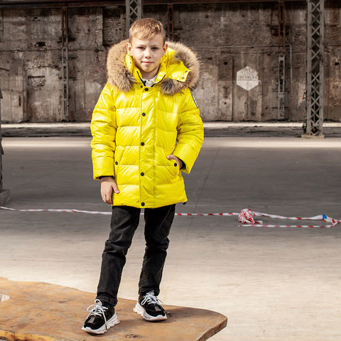 Підліткова зимова куртка з натуральної опушки неоново - жовтого кольору на хлопчика