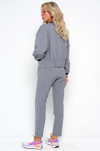 """<p><span>&nbsp;Модный бомбер с подвязами на осень, у которого в этом сезоне нет конкурентов. Бомбер отлично дополняет брюки """"Бриз"""" из новой коллекции 2021.</span></p>"""