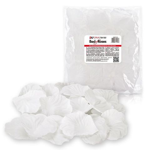 Белые лепестки роз Bed of Roses