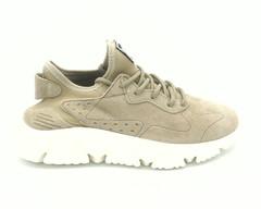Бежевые кроссовки из натурального велюра