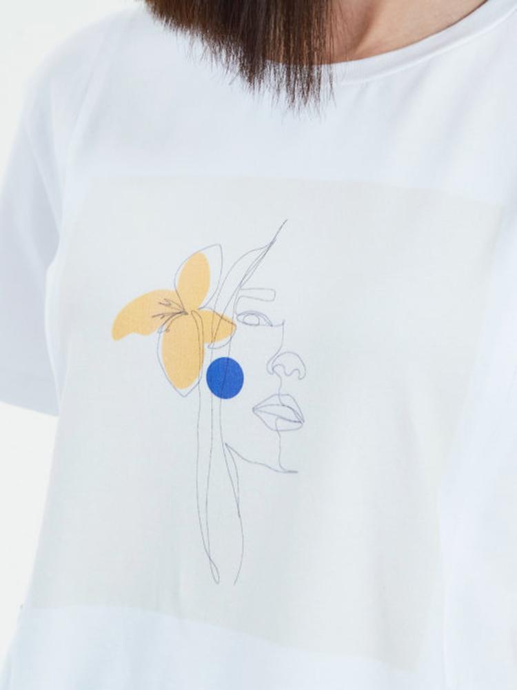 Стильная хлопковая футболка Chic mama для кормящих мам с авторским принтом